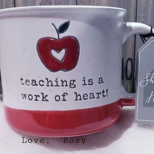🍎Teaching is a work of heart! Mug